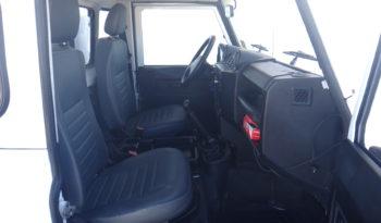 Land Rover Defender full
